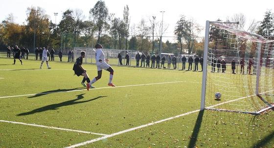 Foto Antonio Dias: Een moment uit de wedstrijd Zeeburgia-DEM van afgelopen zondag