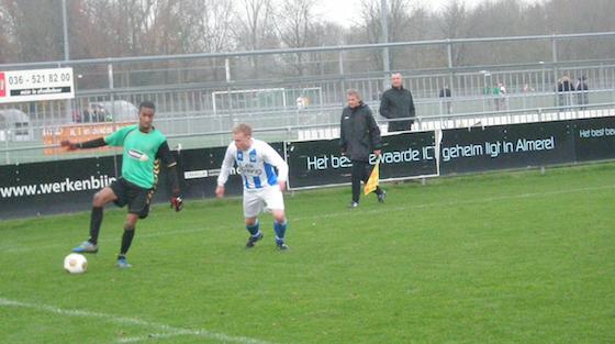 ... teleur en verliest met 0-3 van TAVV - Het Amsterdamsche Voetbal: www.hetamsterdamschevoetbal.nl/almere-stelt-publiek-teleur-en...