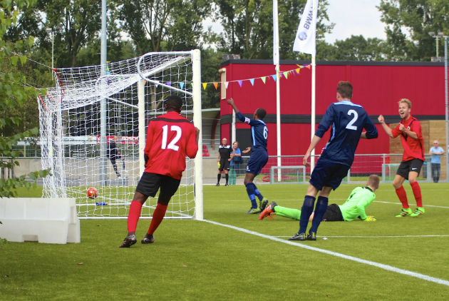 20160903 AFC - Roda'46 Tom Poederbach Lucas Hofstra juicht na het maken van de 2-0 op aangeven van Mauritsio Helstone