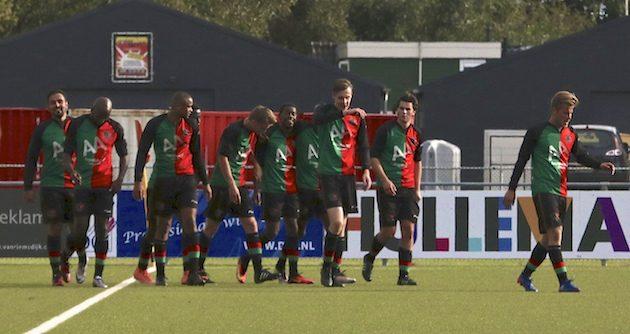 """Foto Tom Poederbach"""" Na de 3-1 van Martin is de zege binnen voor FC Aalsmeer"""