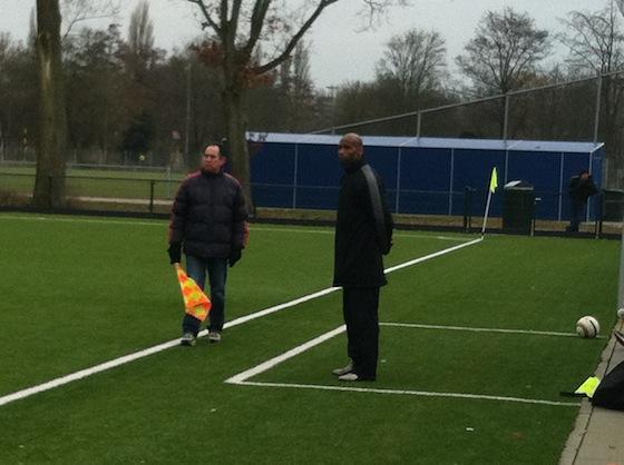 Carlos Wiebers (trainer Real Sranang zondag) verving de afwezige Orson Naardendorp
