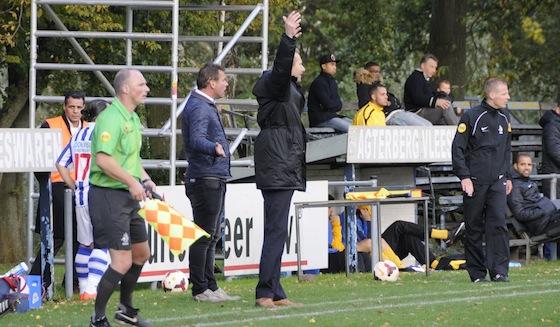 Foto Mitchel Beckman: Hans van der Haar maakt zich druk maar ziet zijn ploeg wel winnen