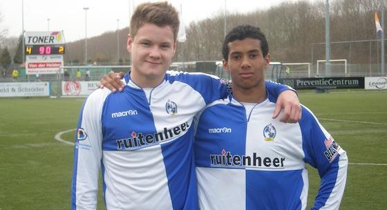 Joel van Ooijen (l) en Frabrizo van Es scoorden beiden voor Waterwijk