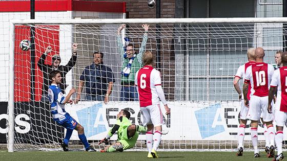 Foto Rob van Vliet: Alex Sacca is inmiddels gestopt bij Ajax