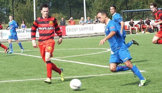 Foto Hans Oederkerk: Mostapha el Aamrani kon het verschil niet in doelpunten uitdrukken