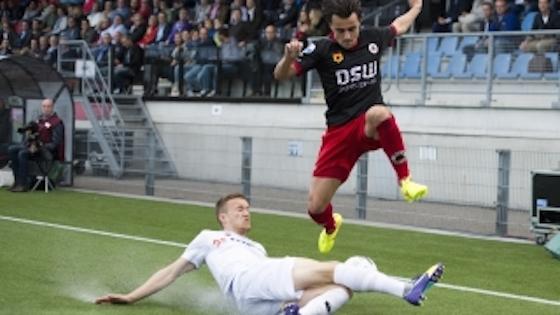 Foto Foxsports.nl: Daryl van Mieghem (ex AFC) in actie tegen Heracles