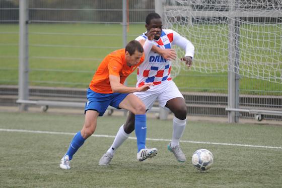 Foto Rob Beense: Damian Menzo neemt het zaterdag met De Dijk op tegen Buitenveldert
