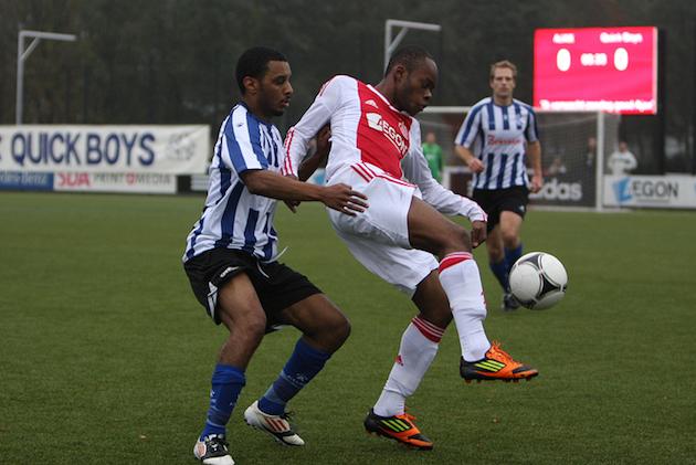 Foto website Quick Boys: Misa Danso (r) vorig seizoen in actie tegen zijn nieuwe club