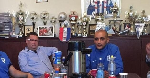 Ahaddouch (rechts) als trainer van Zeeburgia