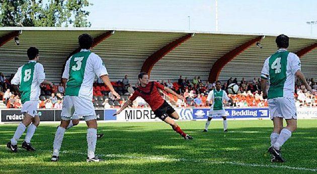 Peter Post haalt in 2012 uit namens AFC tegen Hilversum