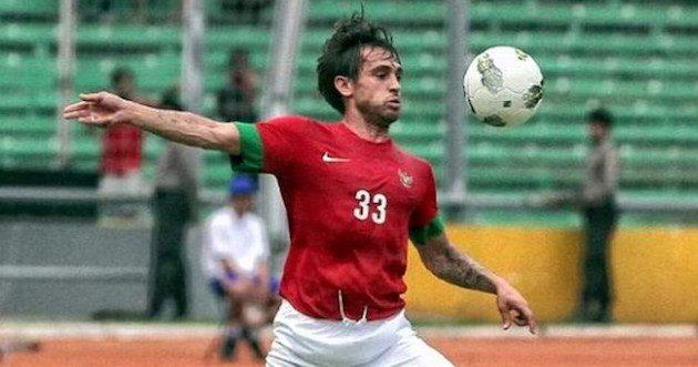 In 2012 maakt Cusell zijn debuut voor het nationale elftal van Indonesie