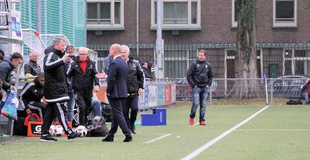 Foto Paul Stoeltie   Opluchting bij Jorg Smeets nadat de zege toch nog is veilig gesteld